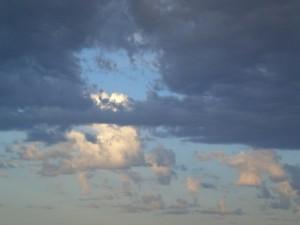 Dunkles Wolkenloch